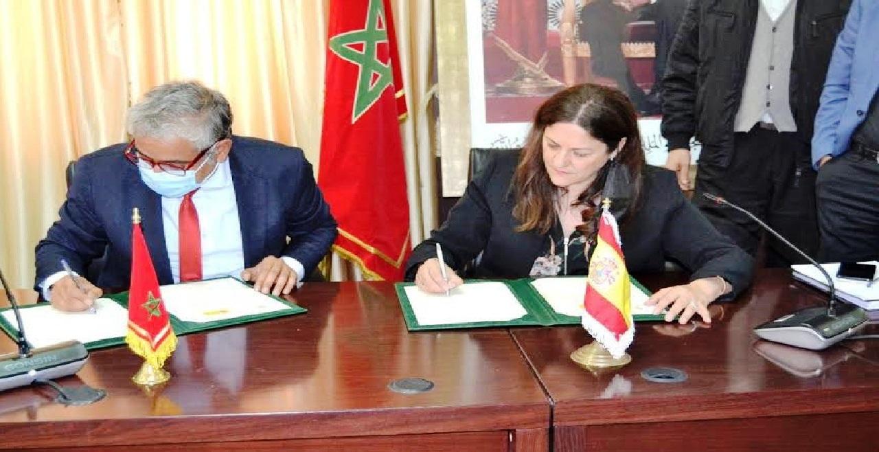 """""""جامعة محمد الأول بوجدة"""" توقع اتفاق شراكة مع """"السفارة الاسبانية بالرباط"""""""