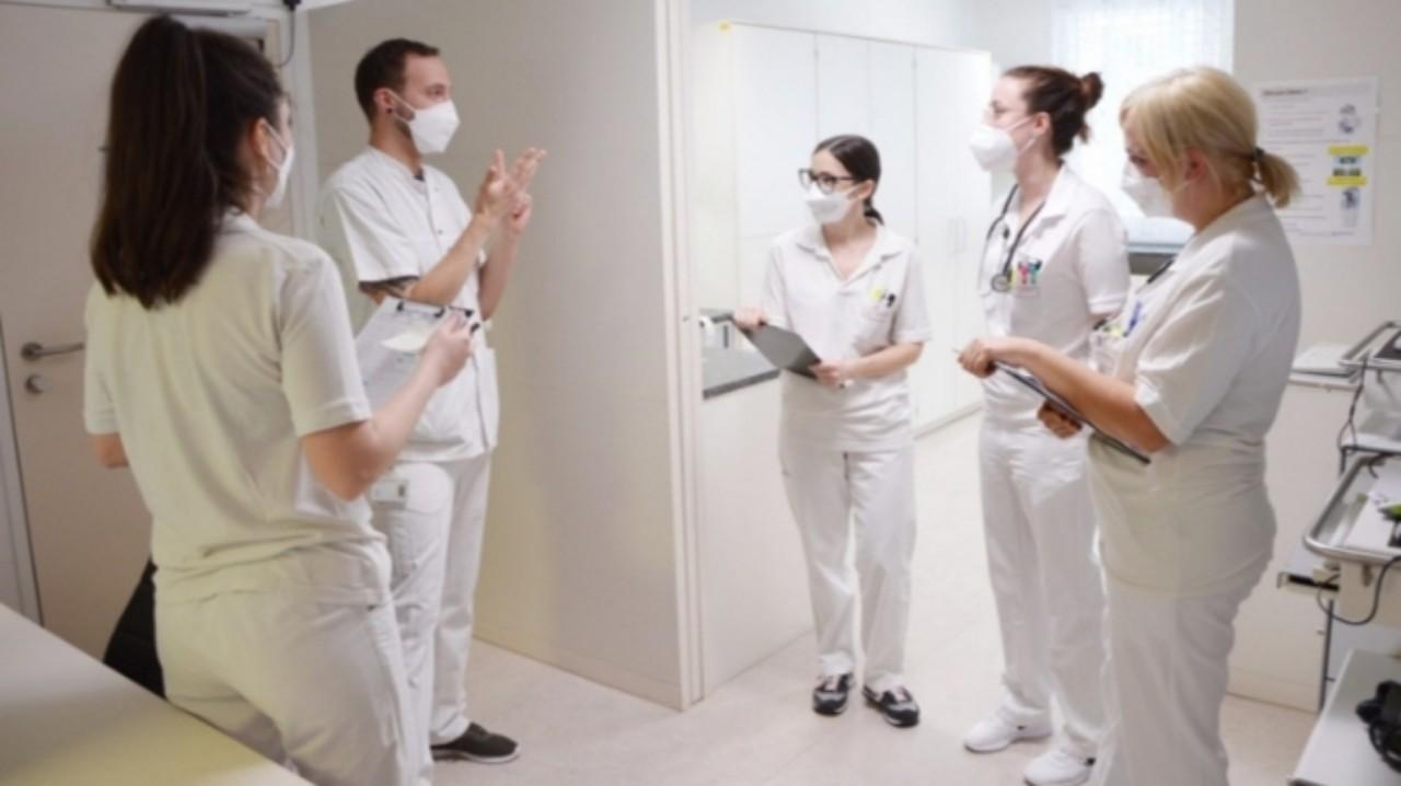 هام جدّاً.. النمسا تفتح باب العمل للممرضين المغاربة