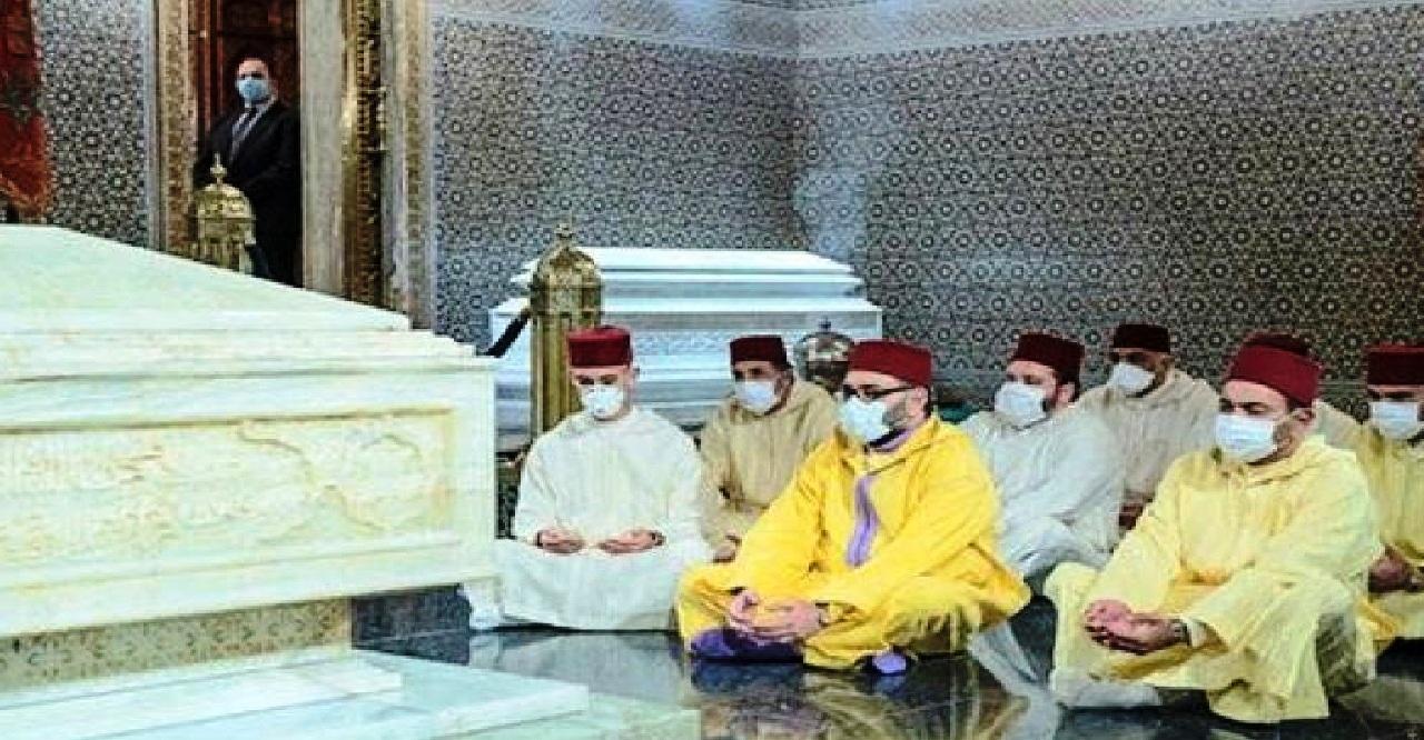 جلالة الملك يترحم على روح جده المغفور له الملك محمد الخامس