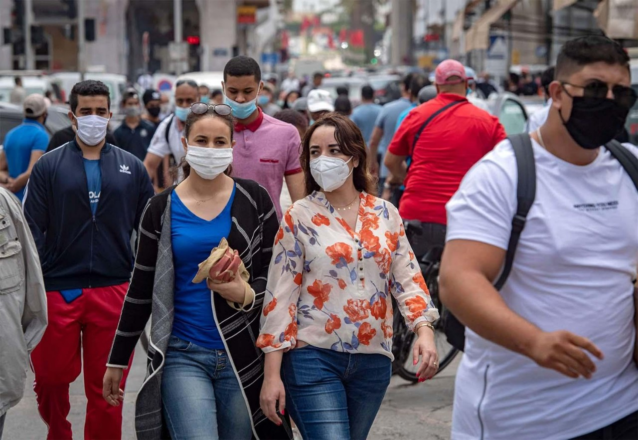 حملات أمنية مشددة بشوارع البيضاء ضد مخالفي ارتداء الكمامة