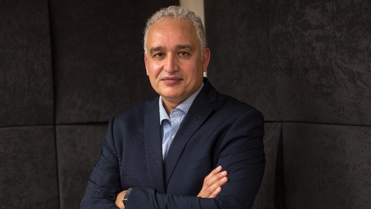 الدكتور الطيب حمضي طبيب وباحث في السياسات والنظم الصحية ورئيس النقابة الوطنية للطب العام بالمغرب