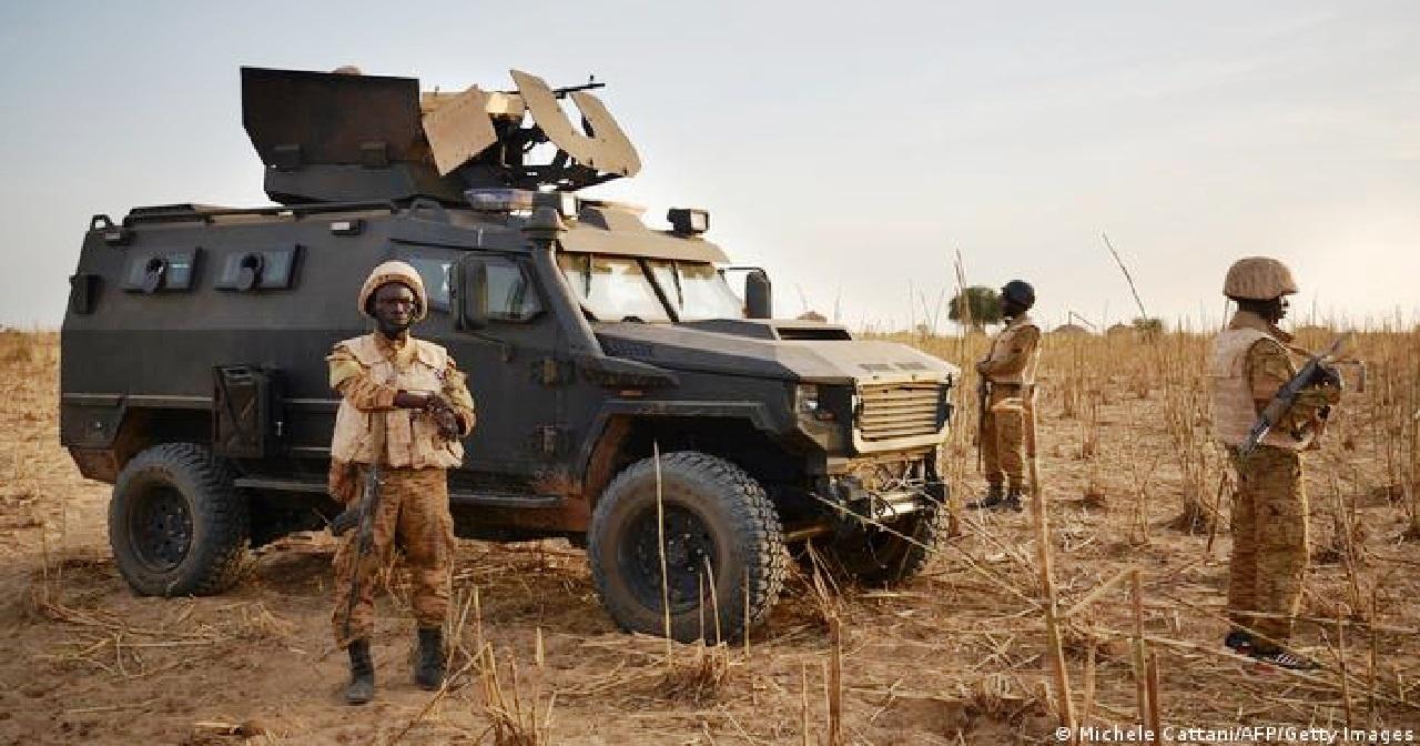 """الصحافة العالمية تفقد """"اثنين من مراسليها"""" بهجوم على دورية في """"بوركينا فاسو"""""""