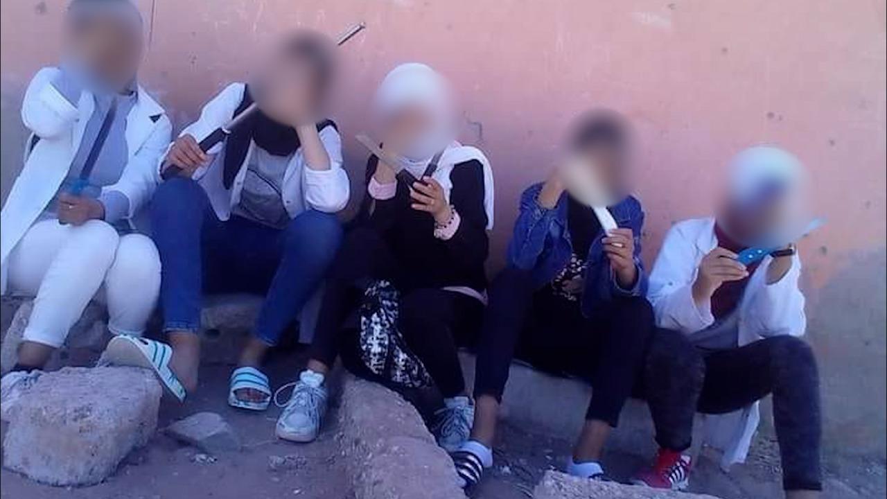 """القضاء يصدر حكمه على التلميذات اللواتي ظهرن في مقطع فيديو ب""""سواطير"""" بانزكان"""