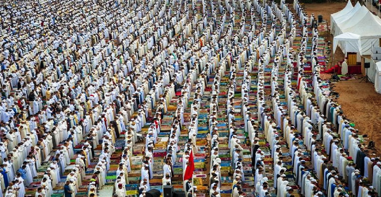 هذا ما أعلنت عنه وزارة الأوقاف حول إقامة صلاة عيد الفطر