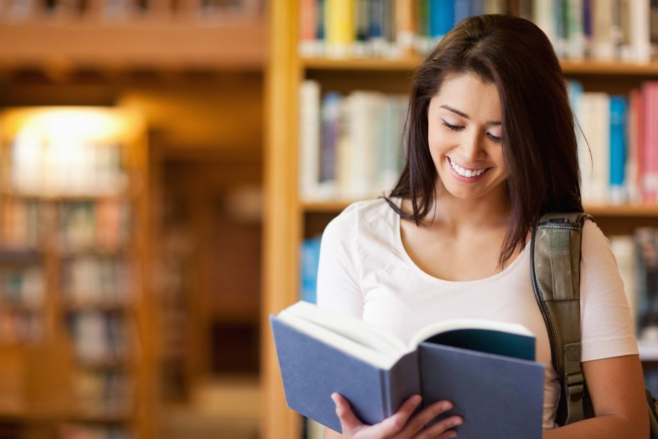 """حديث الأسبوع.. أزمة القراءة لدى أمة """"اقرأ"""" ما هو التفسير ؟"""