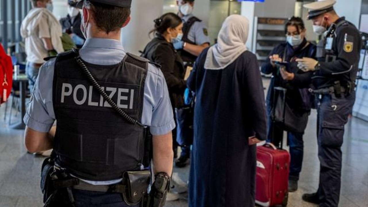 """لهذا السبب يتم التضييق على المغاربة الملقحين بـ""""سينوفارم"""" دخول أوروبا"""