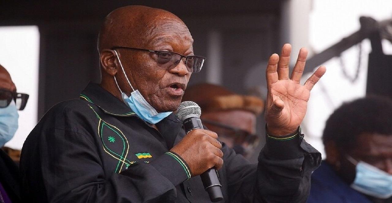 """رئيس """"جنوب إفريقيا"""" السابق يرفض تسليم نفسه"""