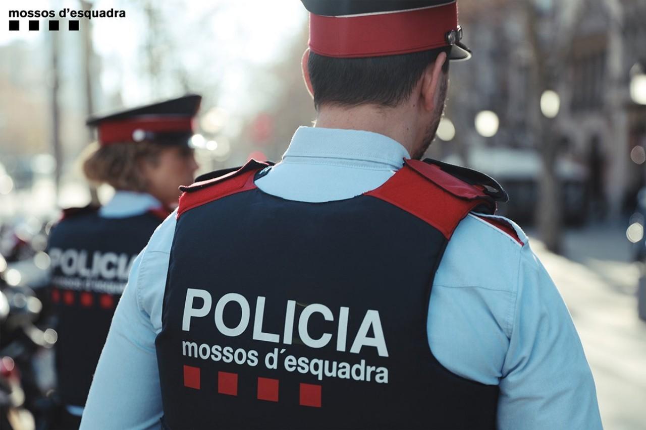 قاصران مغربيان في قبضة الحرس المدني الاسباني بتهمة تهريب المخدرات