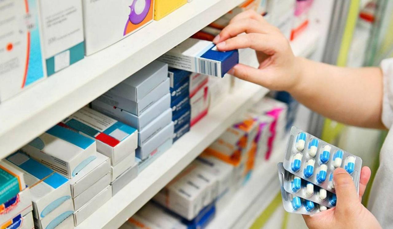 اختفاء مخزون أدوية علاج كورونا من الصيدليات يثير مخاوف المصابين بالفيروس