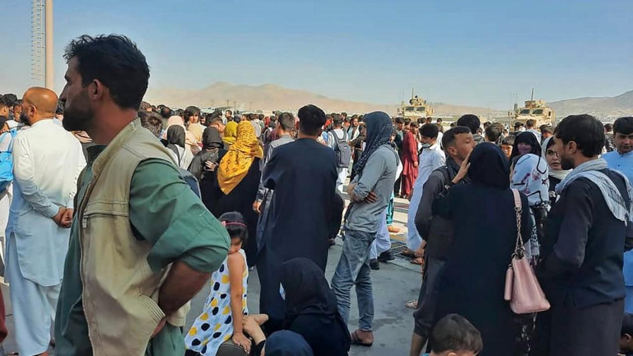 أحداث مثيرة وفوضى في مطار كابول