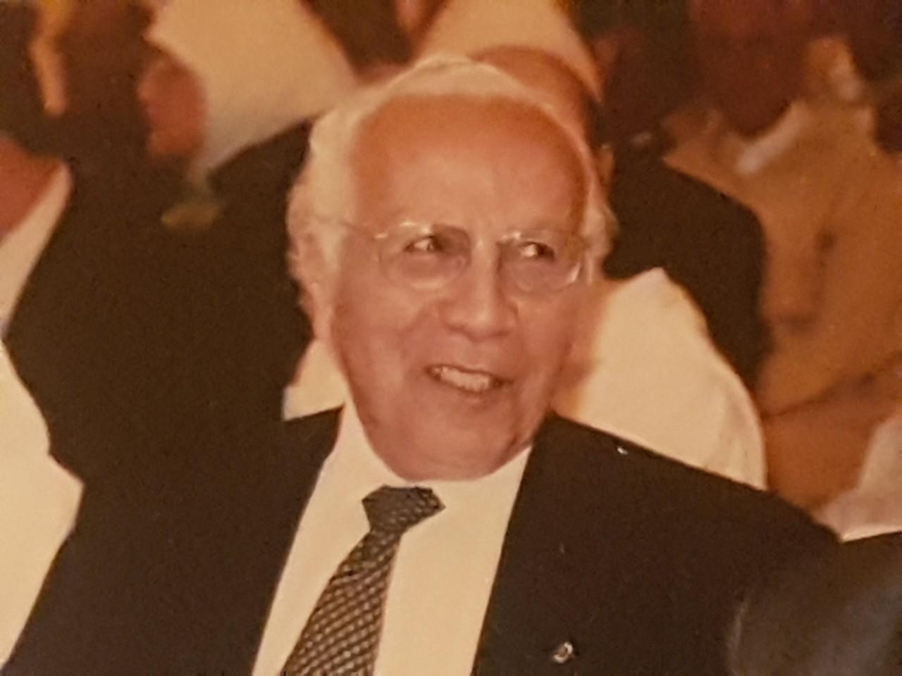رحيل الوزير والدبلوماسي الاستقلالي الأسبق عمر بوستة يفجع المشهد السياسي المغربي