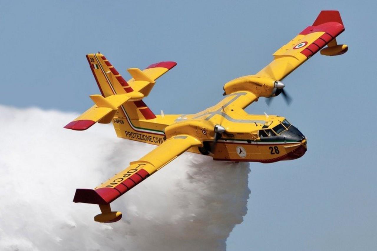 3 طائرات كانادير جديدة ستعزز أسطول سرب مكافحة الحرائق