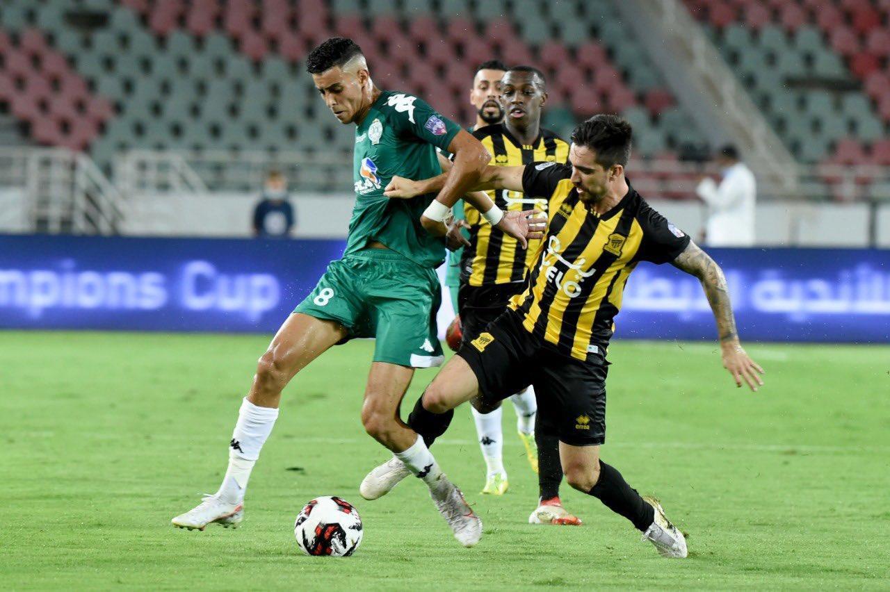 الرجاء العالمي يحرز لقب كأس محمد السادس في مباراة مجنونة أمام الأتحاد السعودي