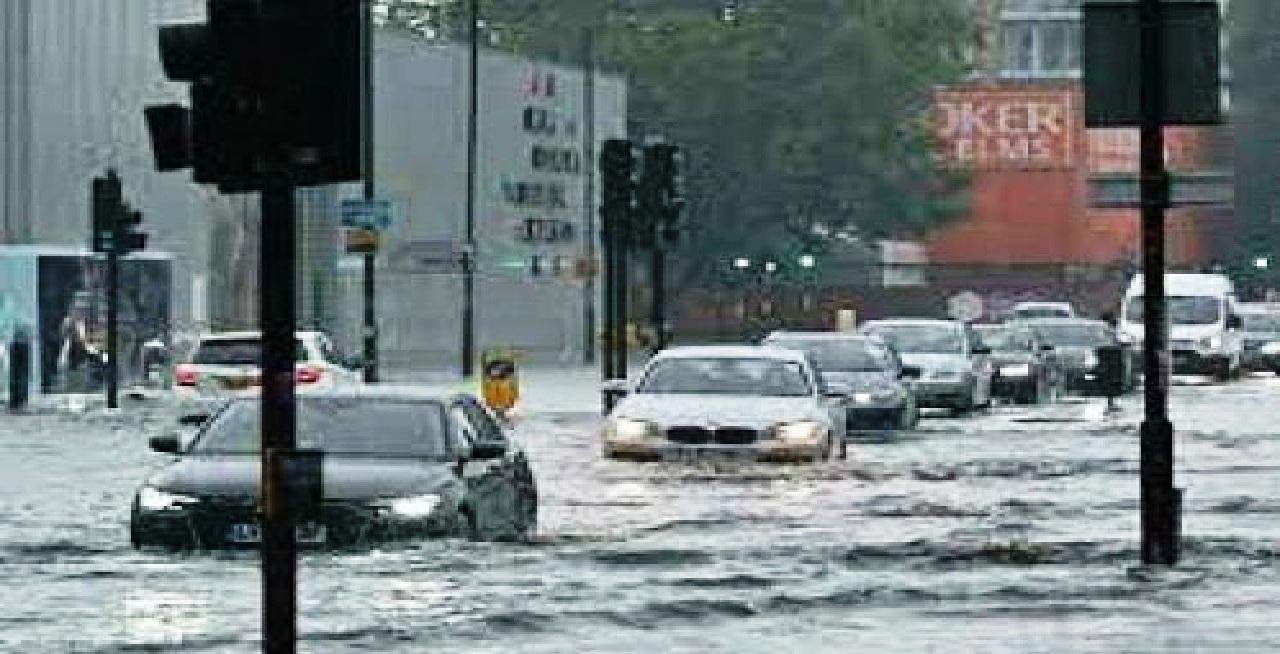 عواصف وفيضانات تجتاح مناطق في إسبانيا
