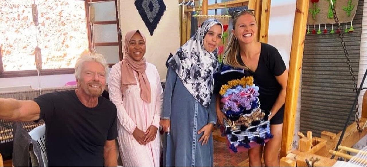 من الفضاء إلى قرى مغربية.. الملياردير الشهير برانسون في جولة سياحية بالمغرب