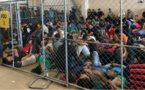 في ظروف غير انسانية.. إحتجاز مهاجرين سريين بينهم مغاربة بإسبانيا