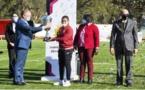 «فوزي لقجع» يُسَلِّمْ «كأس بطولة كرة القدم النسوية» للفريق الفائز
