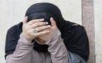 القبض على سيدة في حالة تلبس تُروّج ملابس مزيفة للقوات العمومية