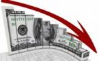 الدولار الأمريكي ينزل إلى أدنى مستوى في 3 أسابيع